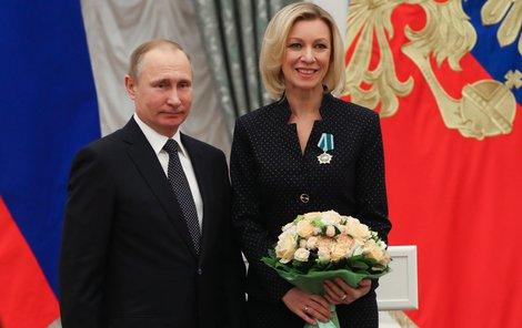 Letos v lednu ji Putin vyznamenal v Kremlu Řádem přátelství,