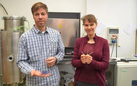 Docent Radim Kocich s doktorkou Lenkou Kunčickou oslnili celý svět unikátní slitinou titanu.