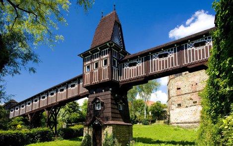 Jurkovičův most v Novém Městě nad Metují je jako z pohádky.