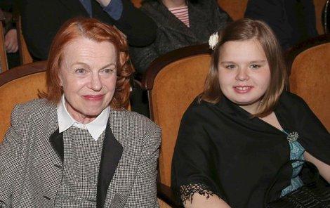 Iva Janžurová s vnučkou Adinou, budoucí herečkou?!