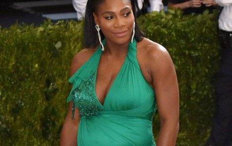 Tohle bříško už neplatí. Serena Williams se stala maminkou.