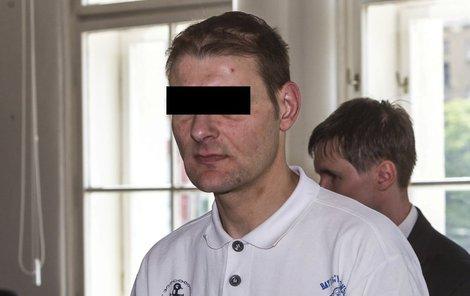 Policie z vraždy obvinila jeho kamaráda, sedmkrát trestaného Jana E.