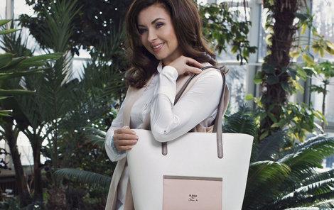 Herečka Dana Morávková si potrpí na kvalitní kabelky a již několikátým rokem je tváří kabelek Elega by Dana M.