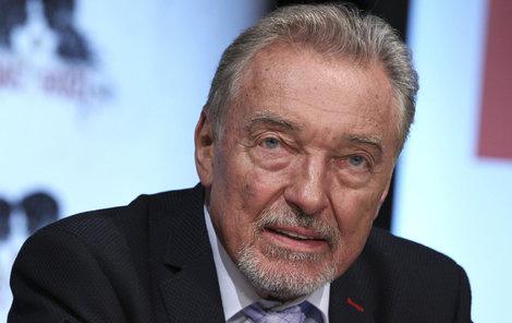 Karel Gott zrušil vystoupení na Slovensku.