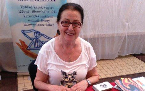 Kontakty na paní Annu Bělohradskou najdete na http://anna.astro-tarot.cz/.