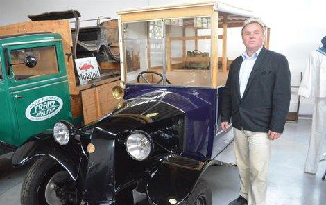 Pyšný majitel tatřičky Aleš Wimmer toto vytvořil z torza po dvou letech usilovné práce.