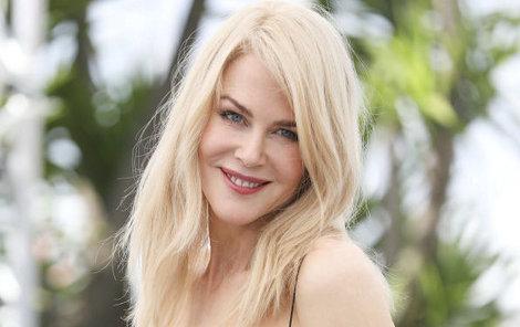 Australská herečka Nicole Kidman se na promenádě v Cannes objevila v haute couture modelu od Diora.