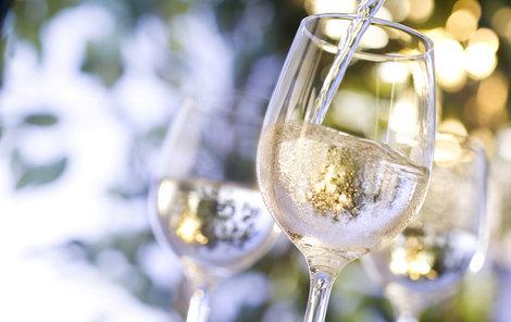 K pití kvalitního vína potřebujeme i tu správnou vodu!