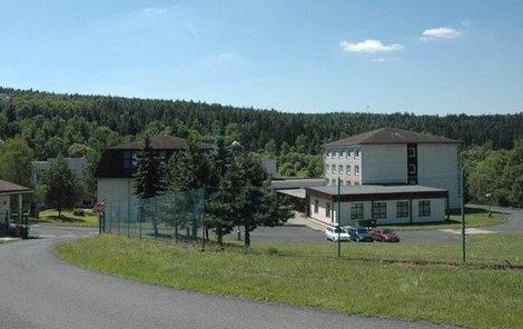Uprchlický tábor v Balkové na Plzeňsku, kde se vzbouřili běženci.
