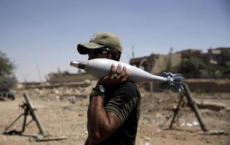 »Letecká pošta« mezi iráckou armádou a Islámským státem.