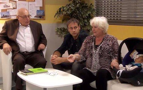 S Igorem Chmelou a Zdenou Herfortovou v seriálu Modrý kód.