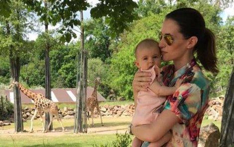 Lucie se svojí čtyřměsíční Lolou.