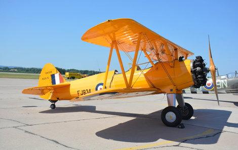 Rarita z roku 1943 Raritou leteckého stvátku byl žlutý dvouplošník Boeing Stearman z roku 1943.