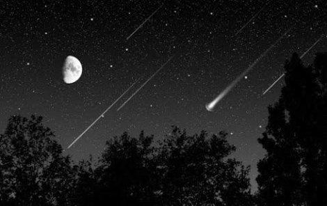 Taurid způsobuje na Zemi čtyři meteorické roje. Dva jsou aktivní od konce září do začátku prosince a dva od konce května do poloviny července.