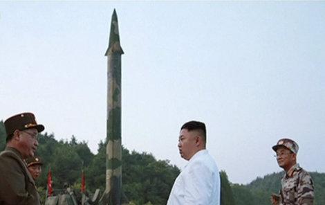 Kim podle médií kvůli obavám z atentátu omezil veřejná vystoupení.