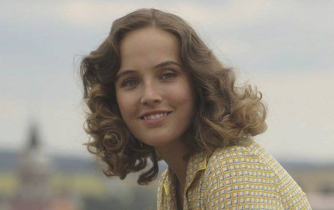 Herečka dokázala, že vyrostla z princezen. Malého Zdeňka si ve filmu zahrála jeho kopie Alois Grec.