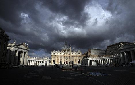 Mračna nad Vatikánem...