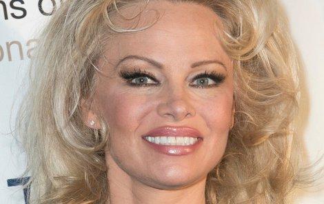 Pamela Anderson je profesionálka!