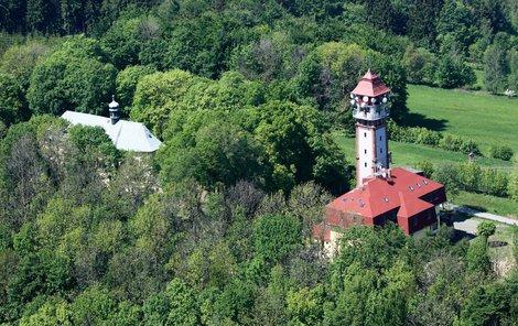 Tichánkova rozhledna u Lomnice nad Popelkou.
