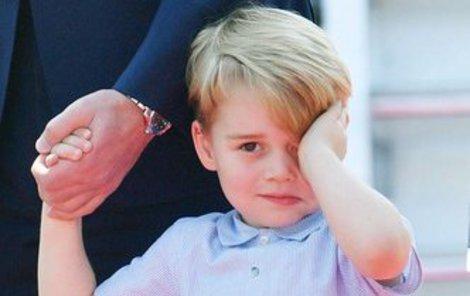 Princ George musel do školy bez maminky.