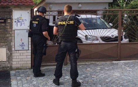 Ve Strašnicích střílel opilý muž z airsoftové zbraně po dělnících, jednoho zasáhl.