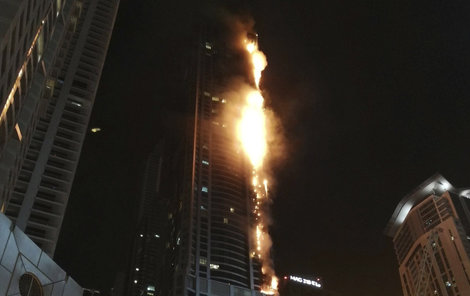 """Požár mrakodrapu zvaného """"Pochodeň"""""""