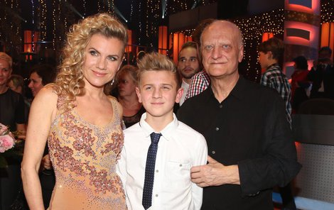 Leona vychovává syna Artura, kterého má se Šípkem.
