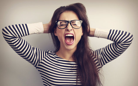 Stres útočí nejen na naši duševní kondici a hlavu, ale i na vnitřní orgány, to si musíme uvědomit.