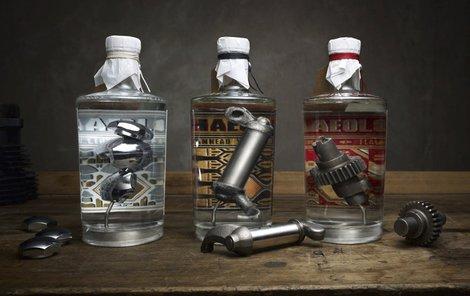 Pro milovníky ginu a motorek je tohle ideální drink. Nejde o laciné pití, jedna lahev stojí přes 22 tisíc korun.