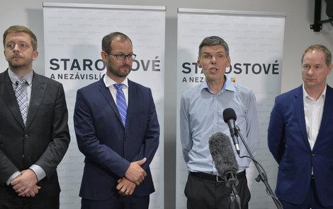 Dalibor Dědek (druhý zprava) se spolustraníky.