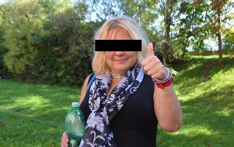 Nyní nepije a věří, že bude nadosmrti abstinující alkoholička.