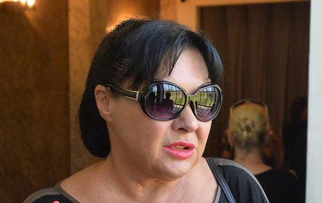 Dagmar Patrasová na pohřbu Anny Juráskové