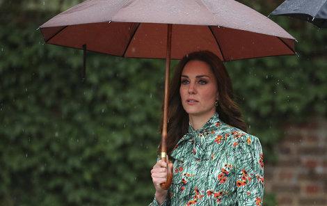 Kate žije sice na zámku, pohádka se ovšem nekoná...