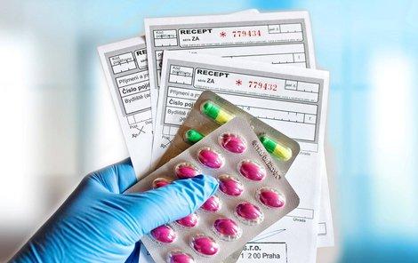 Bez postihu zůstanou lékaři, kteří letos předepíší klasický papírový recept namísto povinného elektronického.