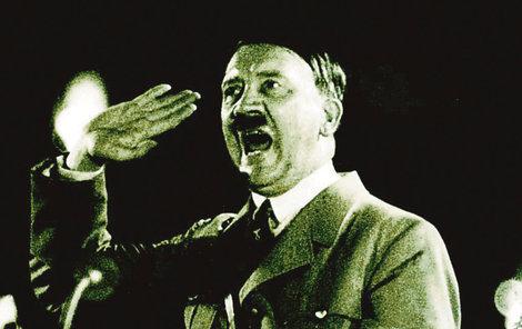 Nacistický vůdce Adolf Hitler (†56)
