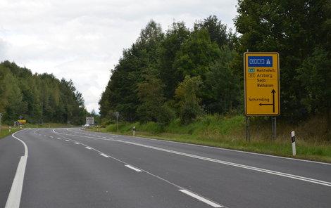 Na německé dálnici budou řidiči jedoucí z Chebu už brzy rychleji.