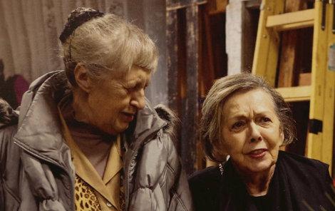 2011 Alena doprovodila Jiřinu na oslavu 80. narozenin.