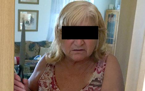 Důchodkyni (67) probudil v noci muž (46), který se k ní vloupal v Ostravě do domku. Ubodala ho.