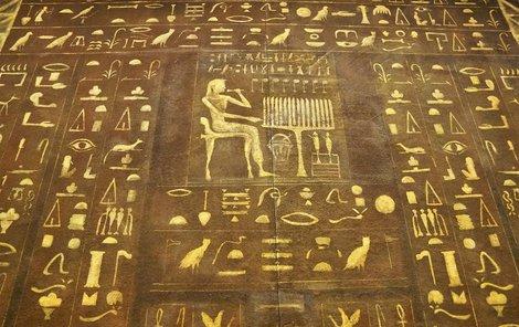 Jaké jste znamení podle egyptského horoskopu? Přehled najdete v tištěném Aha! pro ženy.