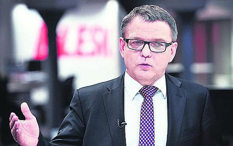 Ministr Zaorálek si po bouračce libuje: Mám pěkně sešitou hlavu!