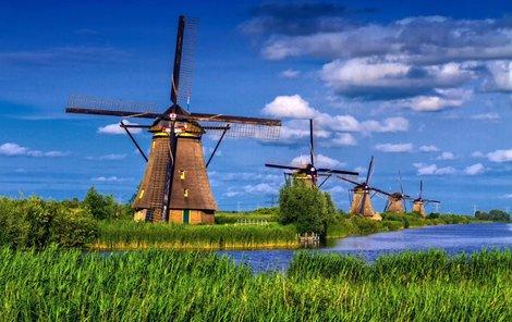 Pohled na větrné mlýny vás uchvátí.