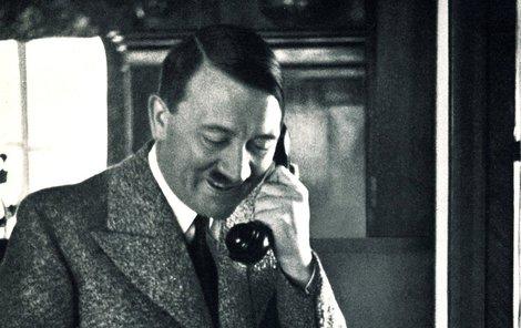 Hitlerův telefonní seznam byl objeven po 72 letech.