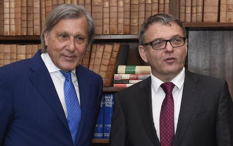 Tenisová legenda Ilie Nastase (71) by měl být českým honorárním konzulem v Rumunsku. Včera se kvůli tomu sešel s ministrem zahraničí Lubomírem Zaorálkem (61, ČSSD).