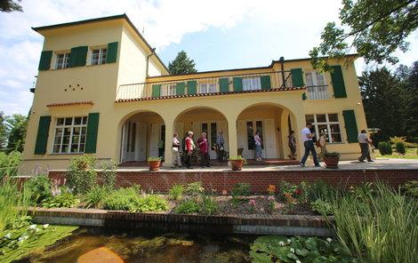Architekti Benešovy vily se nechali inspirovat osobnostmi obou manželů i stavbami v jižní Francii.