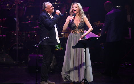 Zpěvačka si střihla duet i s Richardem Tesaříkem.