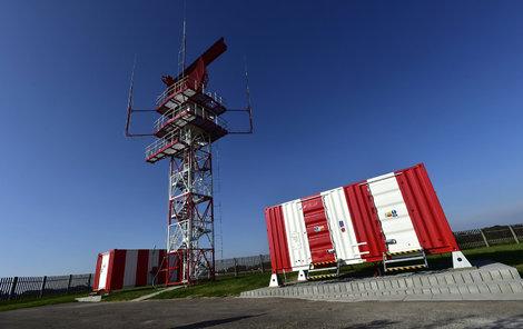 Na vojenském letišti v Pardubicích byl včera uveden do provozu nový radiolokátor RPL-2000.