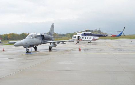 Na letišti v Karlových Varech začnou již brzy v hojnějším počtu přistávat armádní letadla.