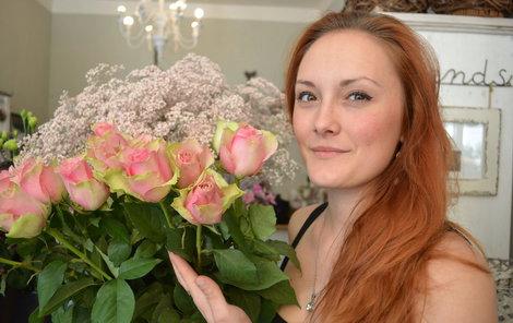 Růže jsou mezi květinami nejprodávanějším druhem.