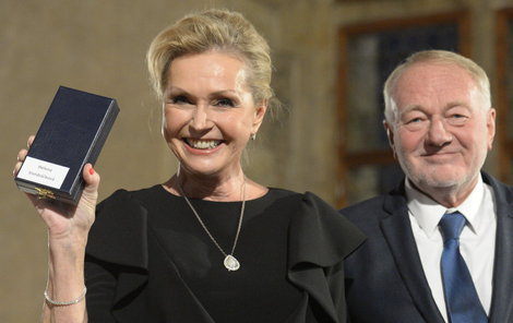 Státní vyznamenání 2017: Luděk Sobota a Helena Vondráčková