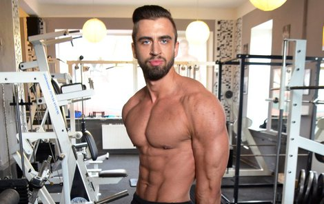 Pavel Šalitroš se živí jako fitness trenér.